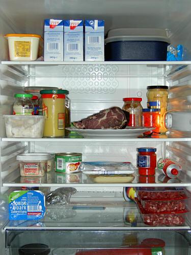 mann vor eigenem kühlschrank verhungert  berliner herold ~ Kühlschrank Temperatur Einstellen