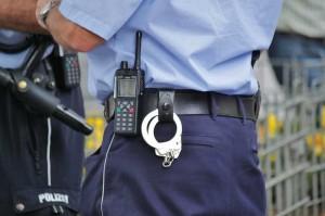 """Die Polizei hat den Kleingartenverein """"Todestreifen"""" weiträumig abgesperrt"""